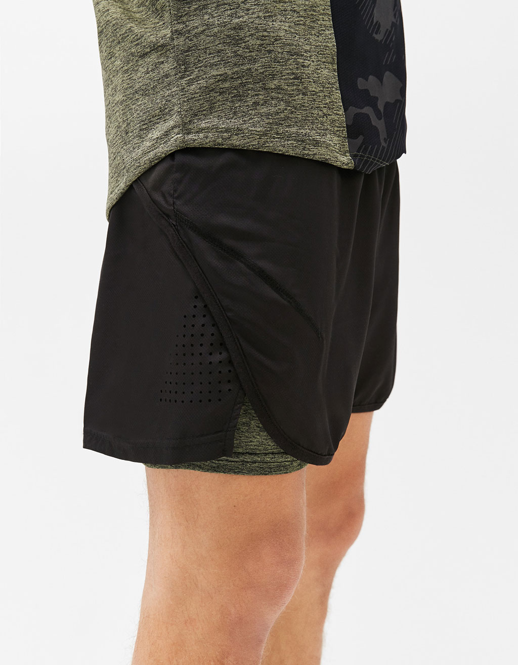 Sporty bermuda shorts with interior leggings