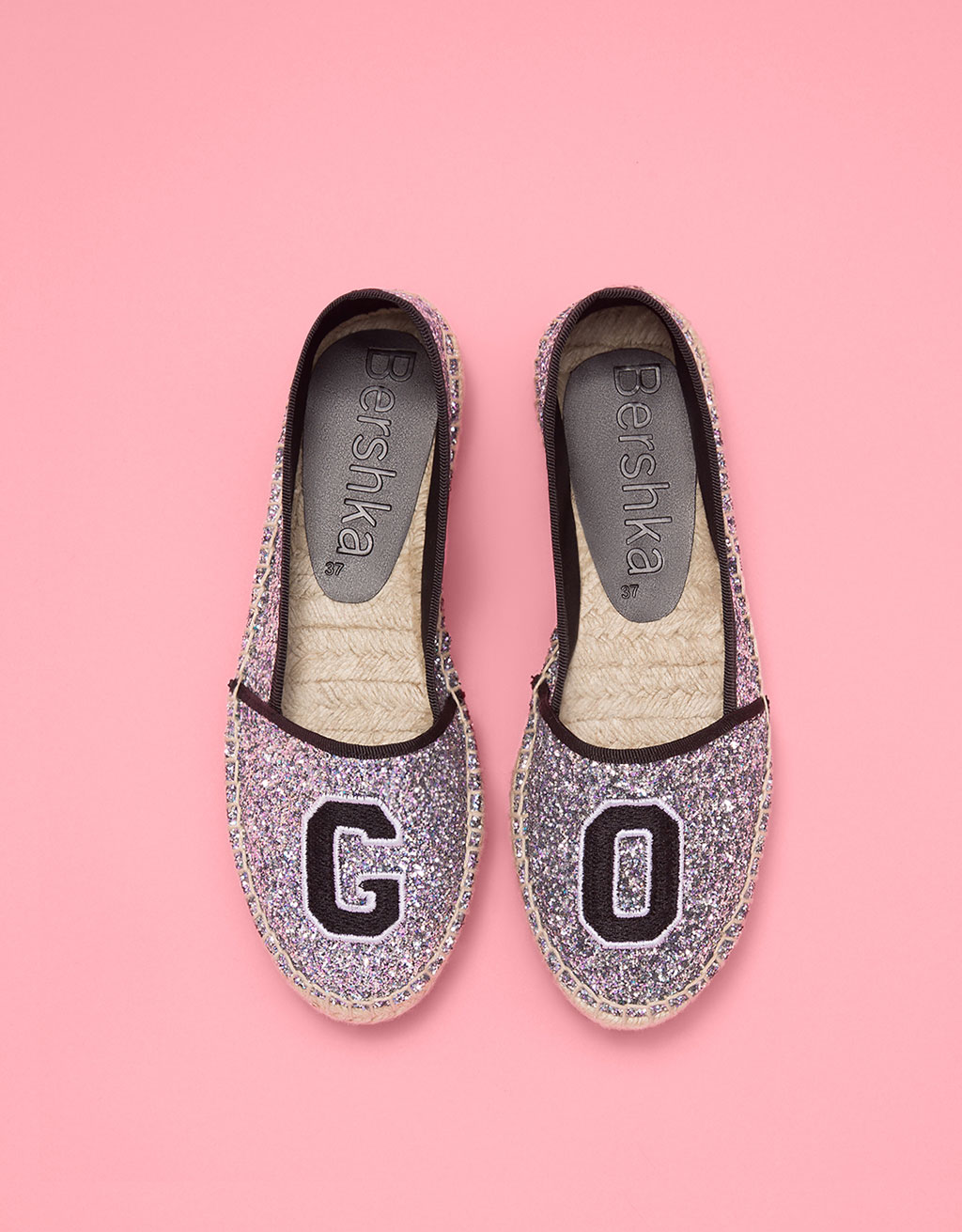Jute espadrilles with slogan and sparkle