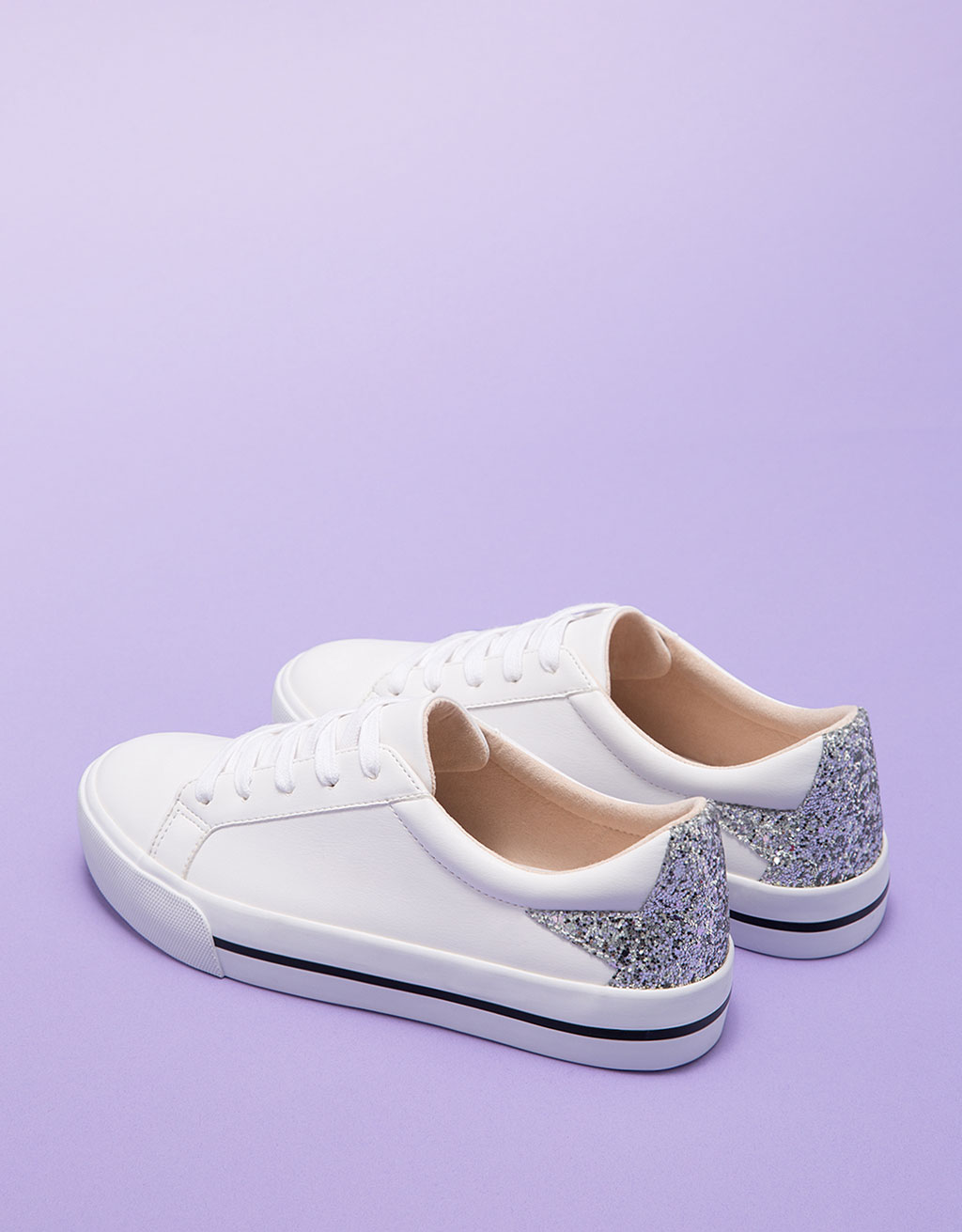 Lace-up shiny star shoes