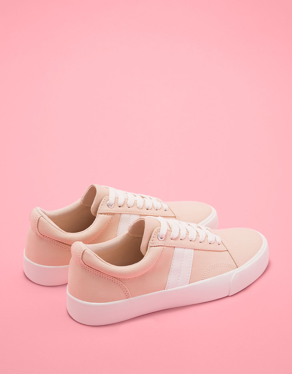 Fabric sneaker with side stripe