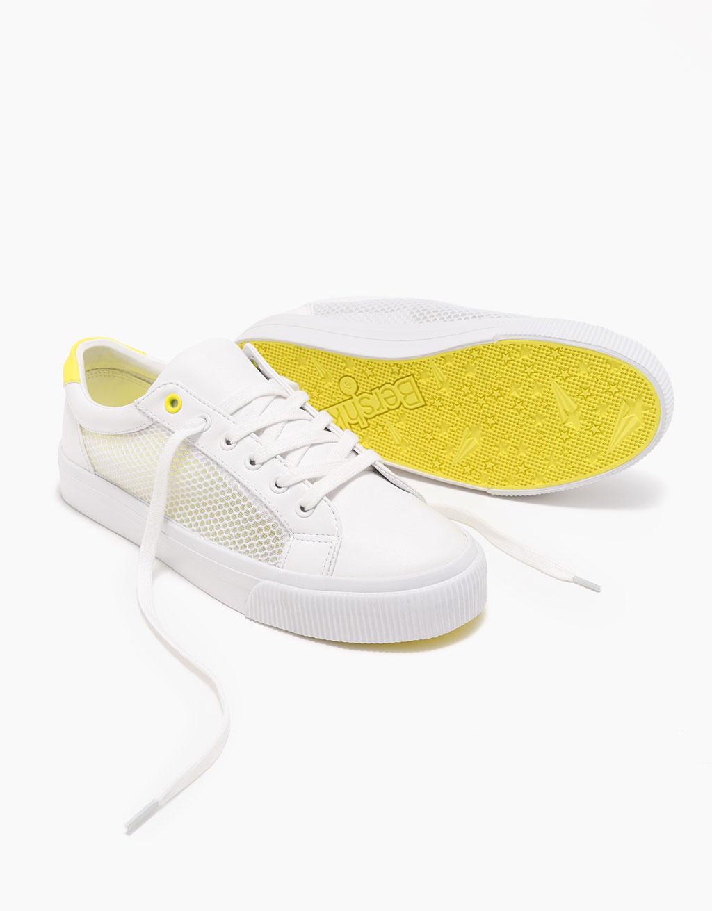 Sneaker aus Netzstoff mit gelbem Detail