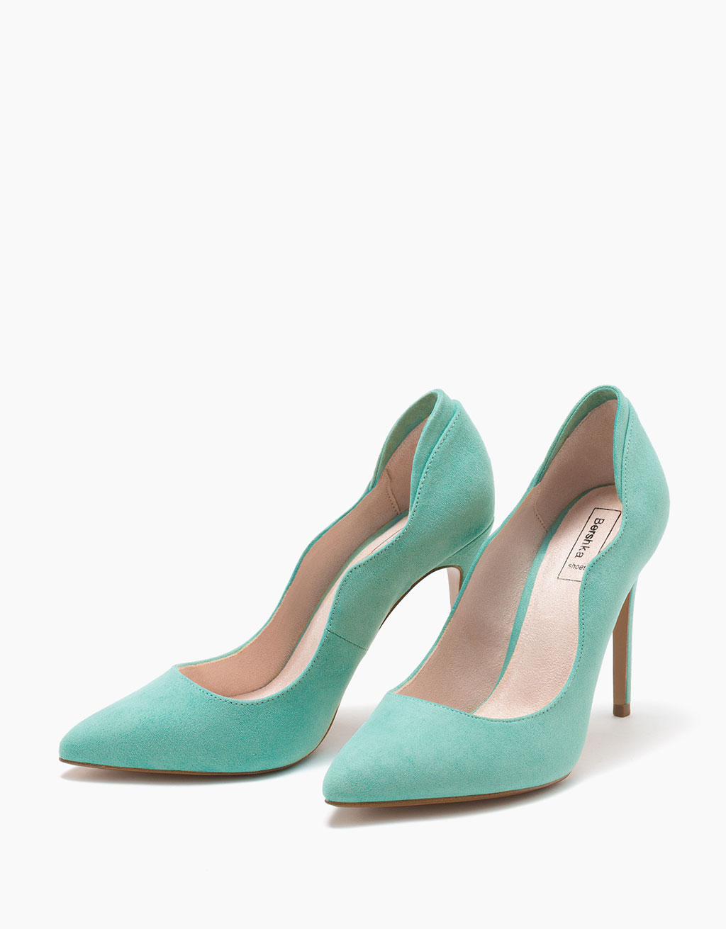 Scalloped stiletto heel shoes
