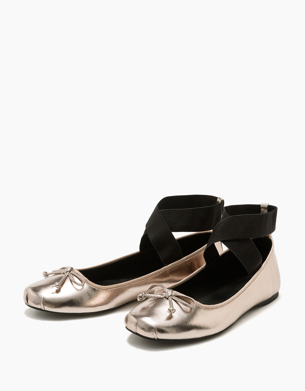 Elastic ballerina shoes with shiny metallic detail