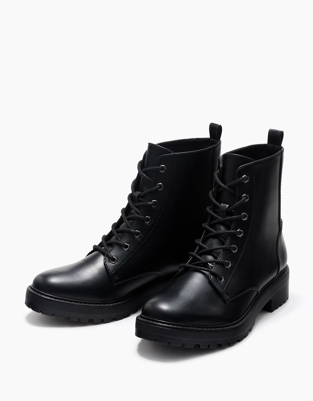 Basic flat, lace-up ankle boots