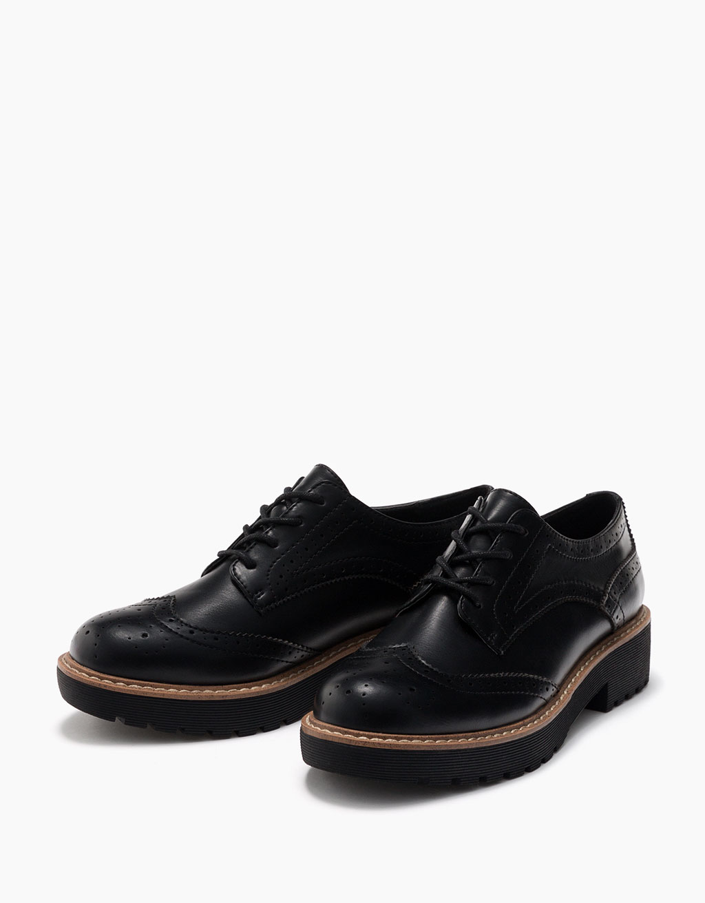 Perforated dress shoes