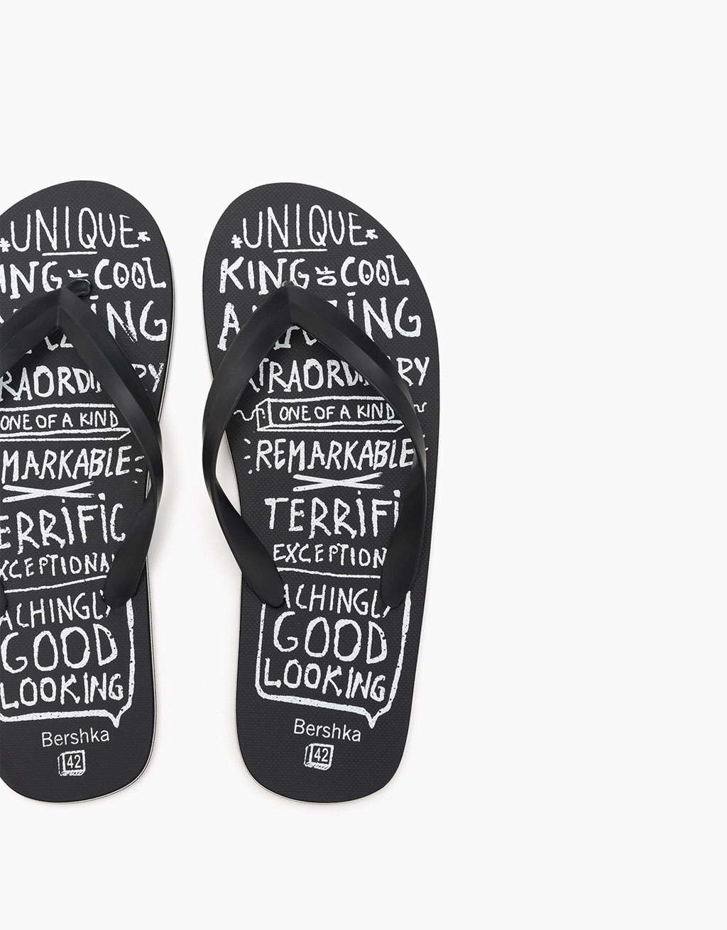 Men's thong sandal with slogan