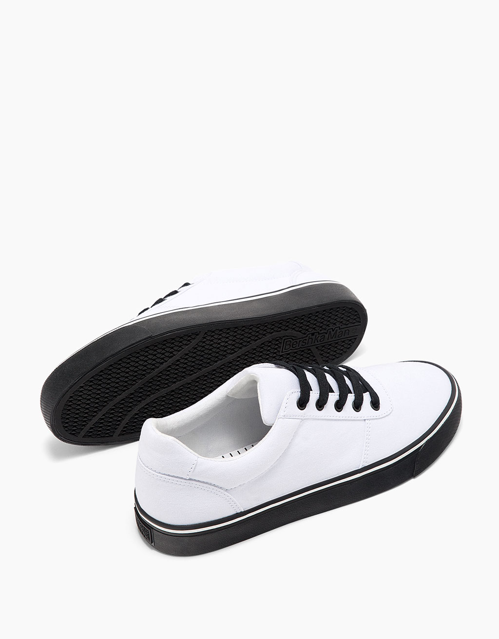 Men's fabric sneakers with contrasting outsole and laces