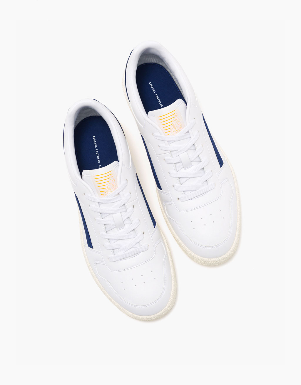 Men's lace-up retro sneakers with blue detail
