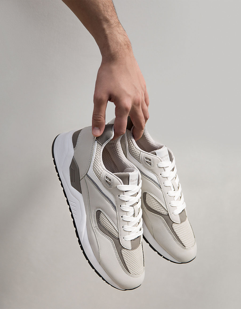 Men's technical sneakers with contrast pieces