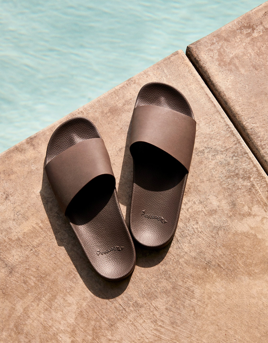 Men's brown slides
