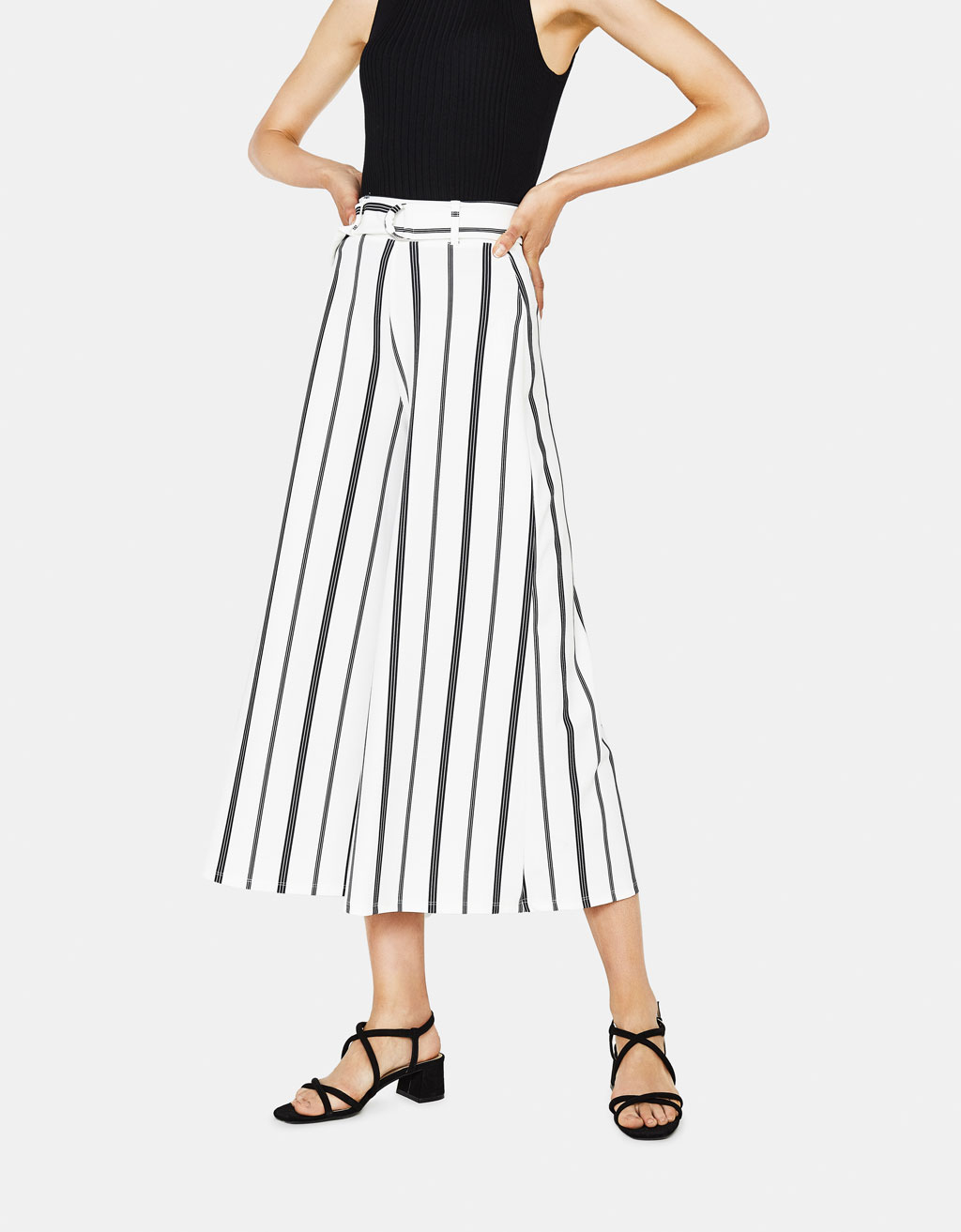 Cropped wide-leg trousers