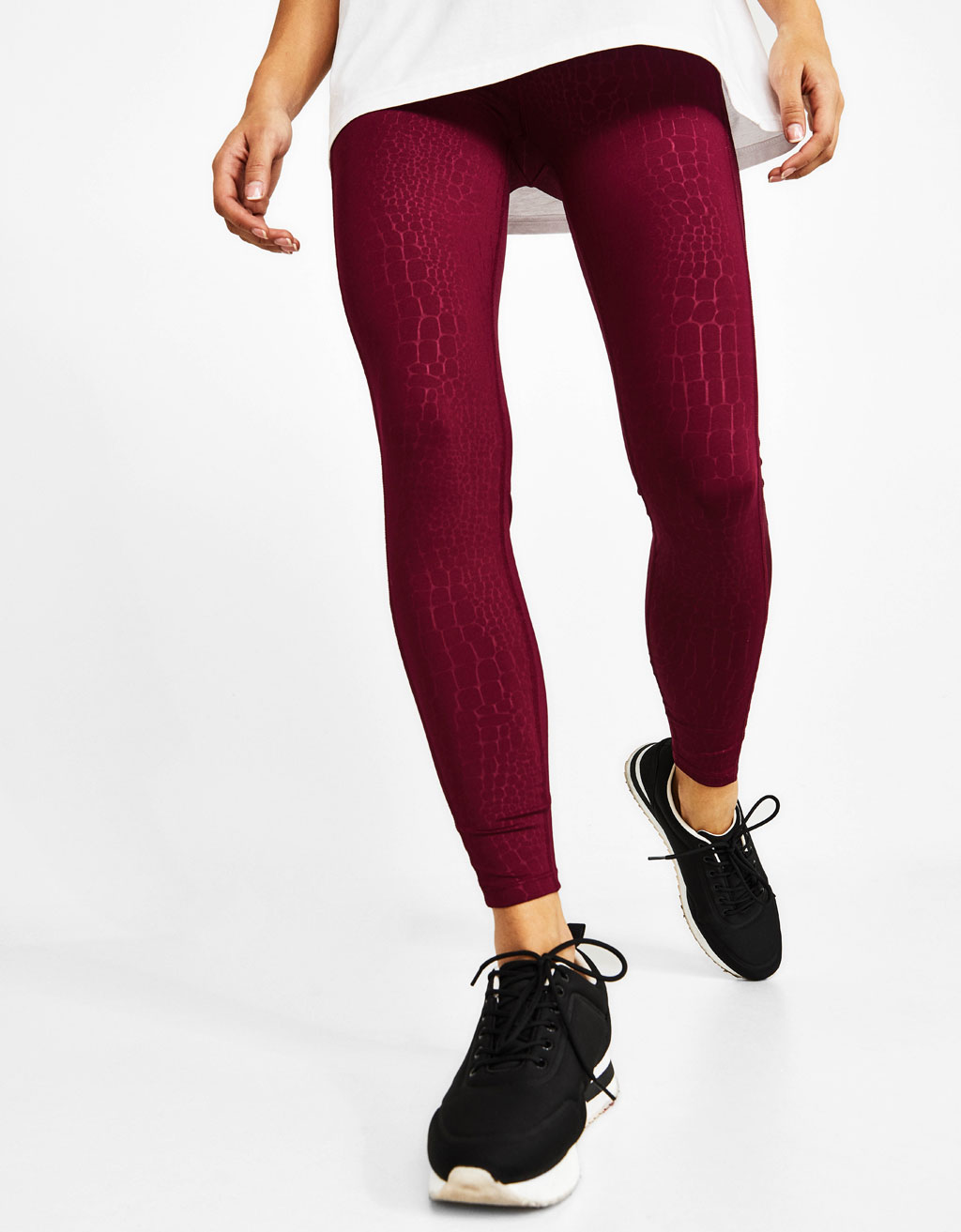 Leggings with mesh side stripes