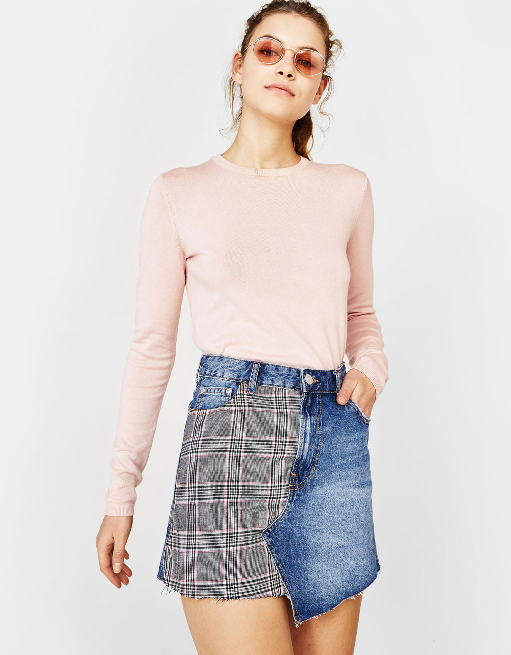 Tailored denim skirt with contrasting design