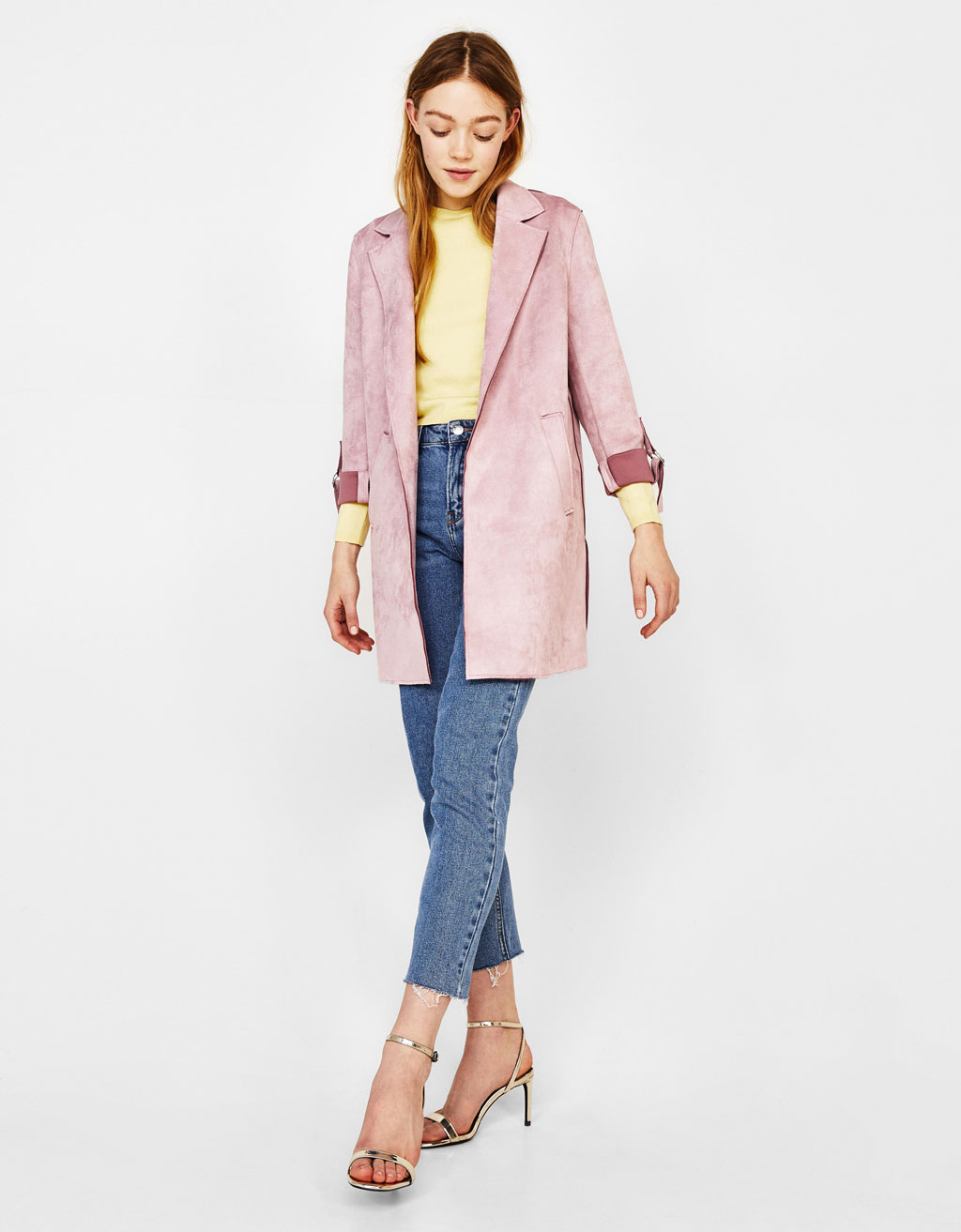 Coat with roll-up sleeves