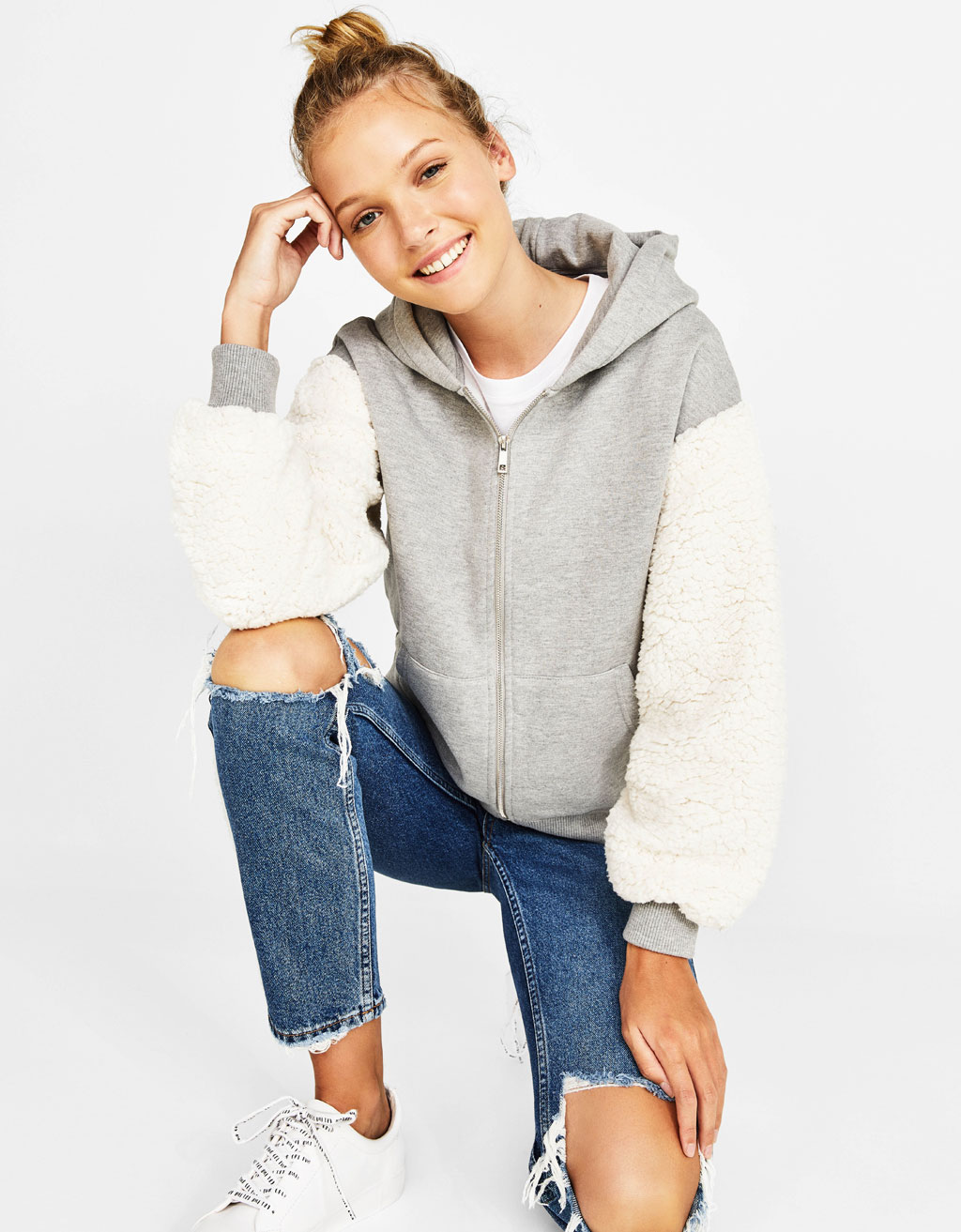 Sweatshirt with faux fur sleeves