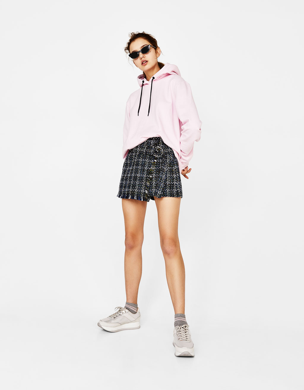 Tweed shorts with belt