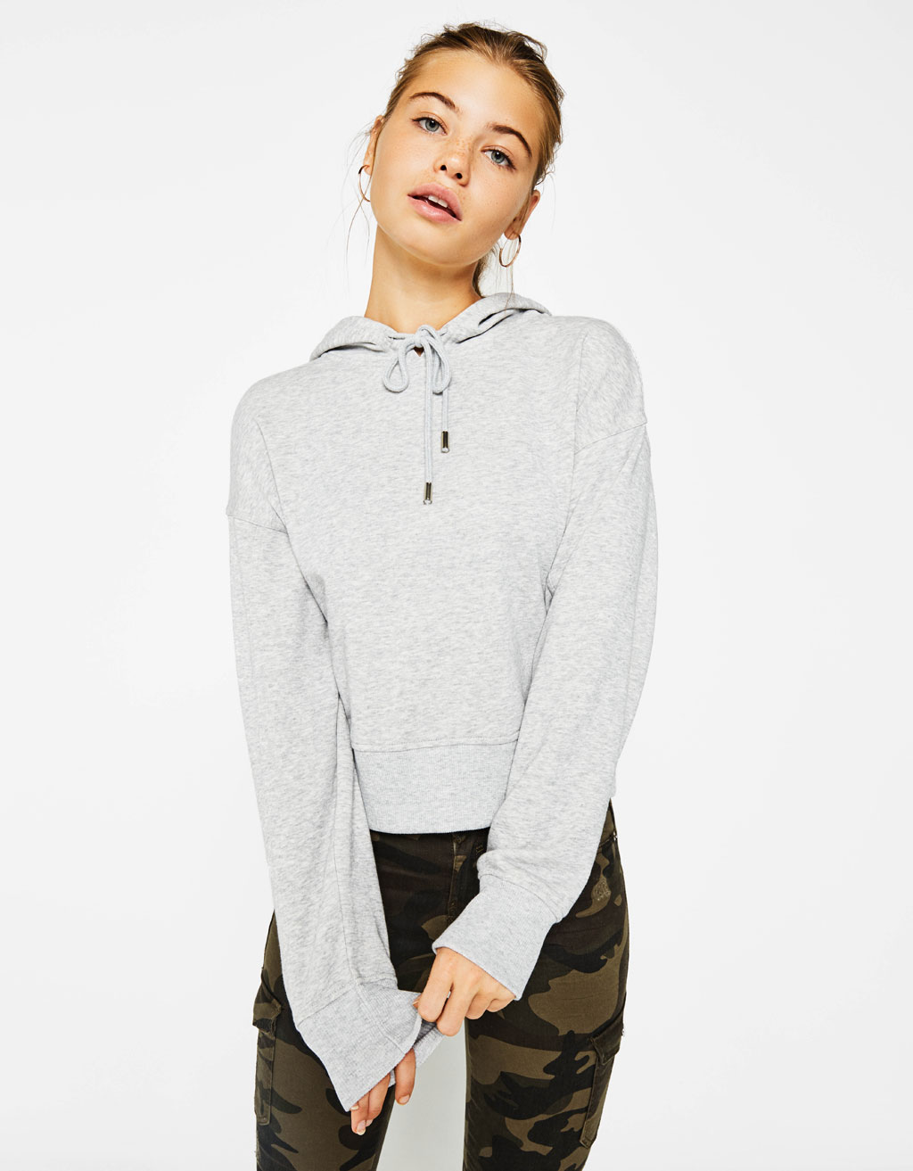 Cropped sweatshirt with hood