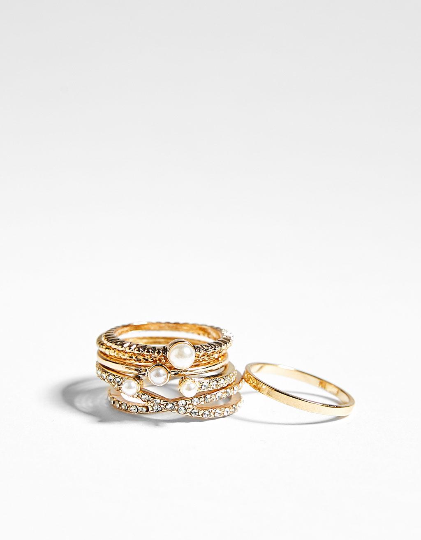 Set of 6 diamanté rings