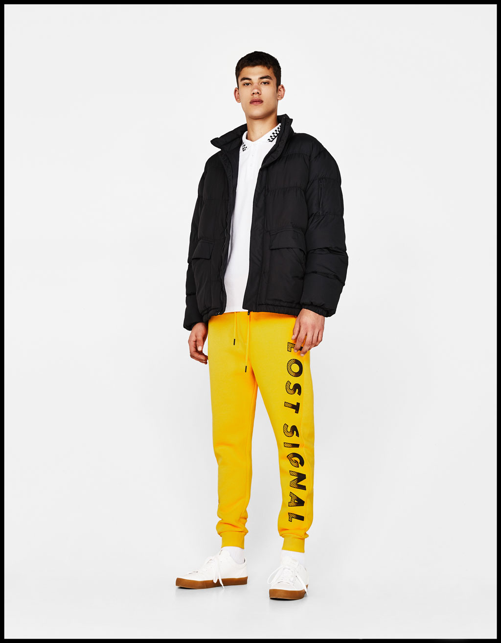 Jogging trousers with slogan