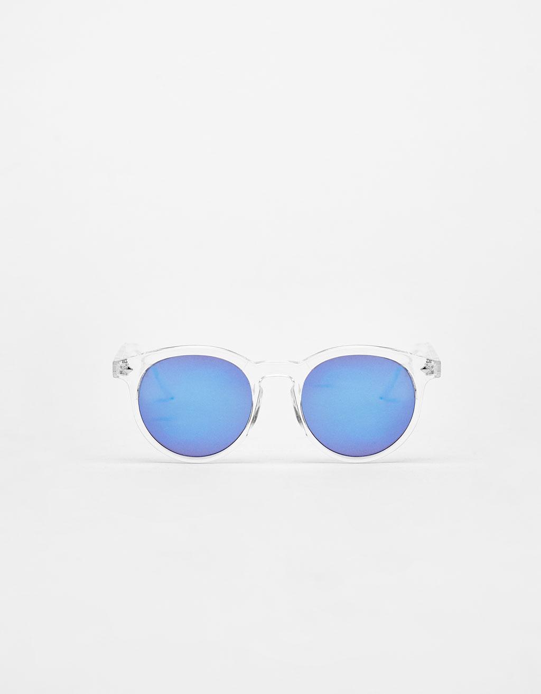 Gafas con montura transparente