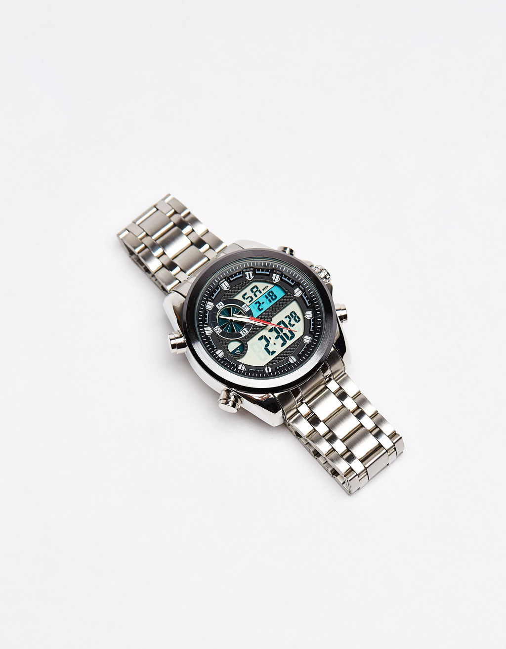 Maxi watch with metal strap