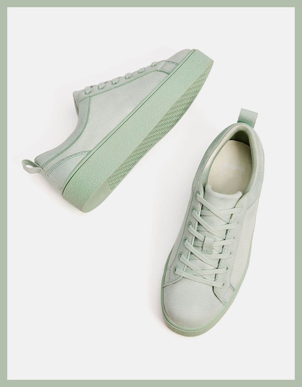 Green monochrome sneakers