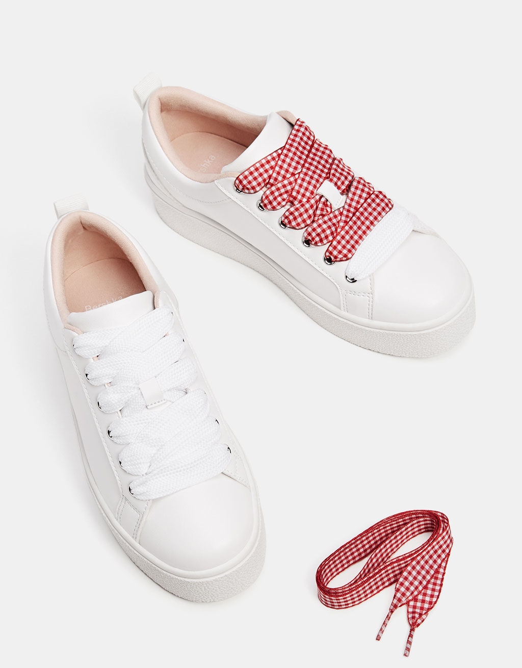 Sneakers with gingham laces