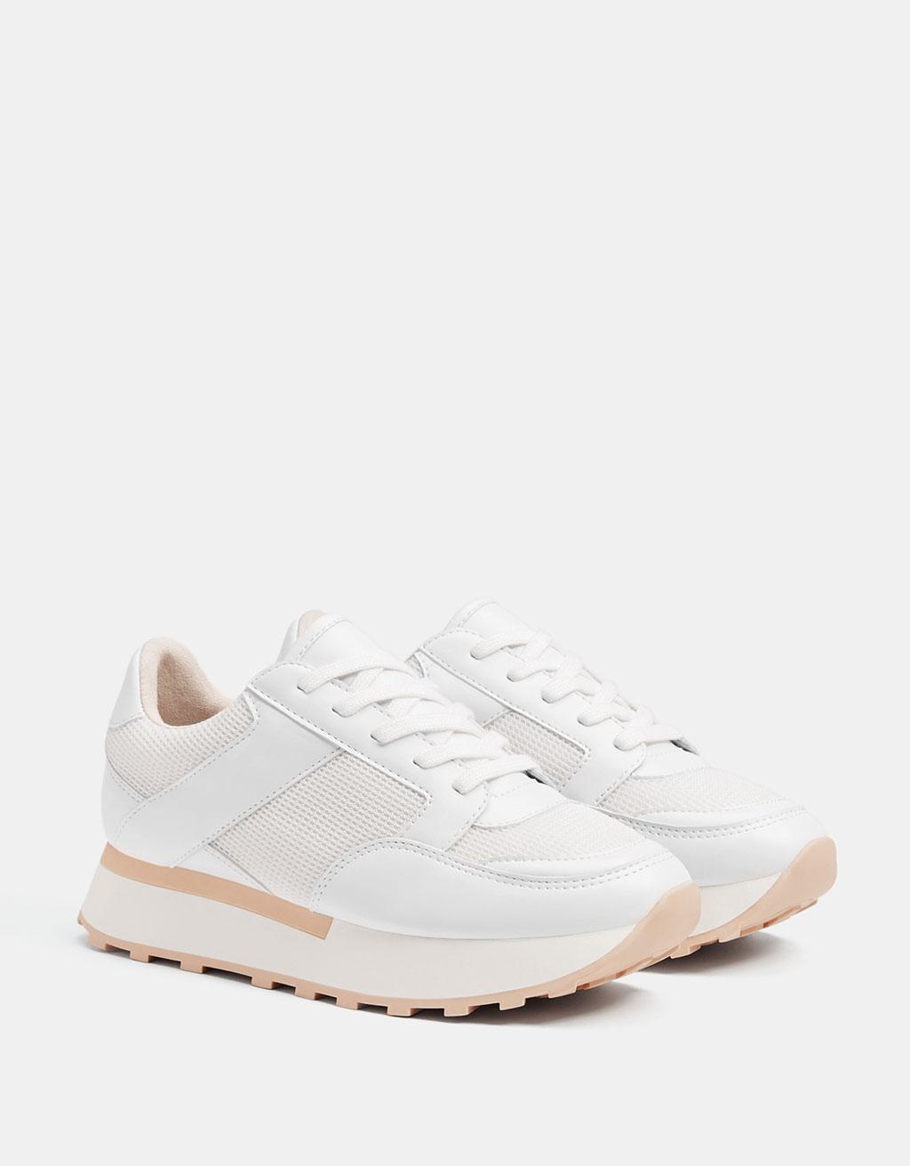 Kombinierter Sneaker in Weiß mit Plateau.