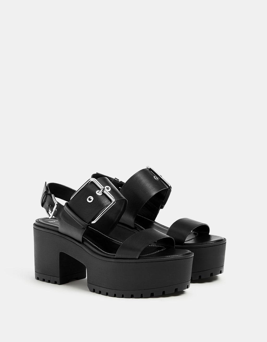 Platform sandals with buckle