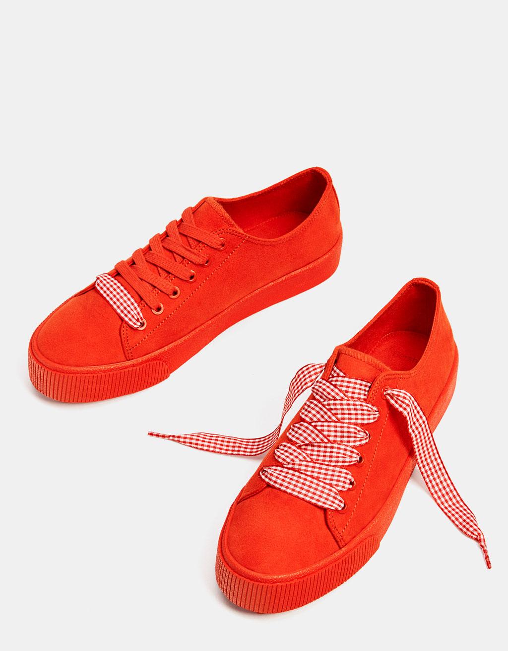 Czerwone jednobarwne tenisówki