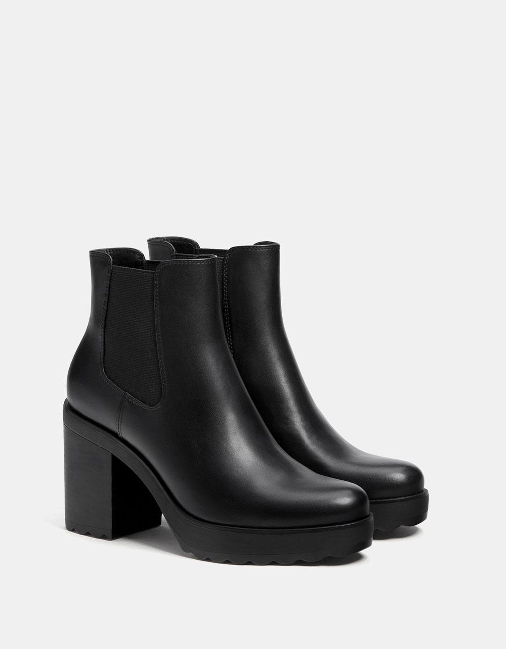 Elastic platform ankle boots