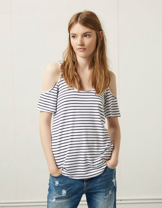 http://static.bershka.net/4/photos2/2015/V/0/1/p/2064/381/250/2064381250_1_2_4.jpg