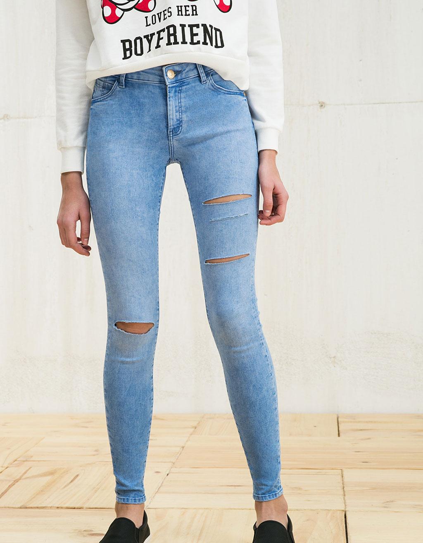 fashion inspiration modne jeansy mom jeans boyfriendy z. Black Bedroom Furniture Sets. Home Design Ideas
