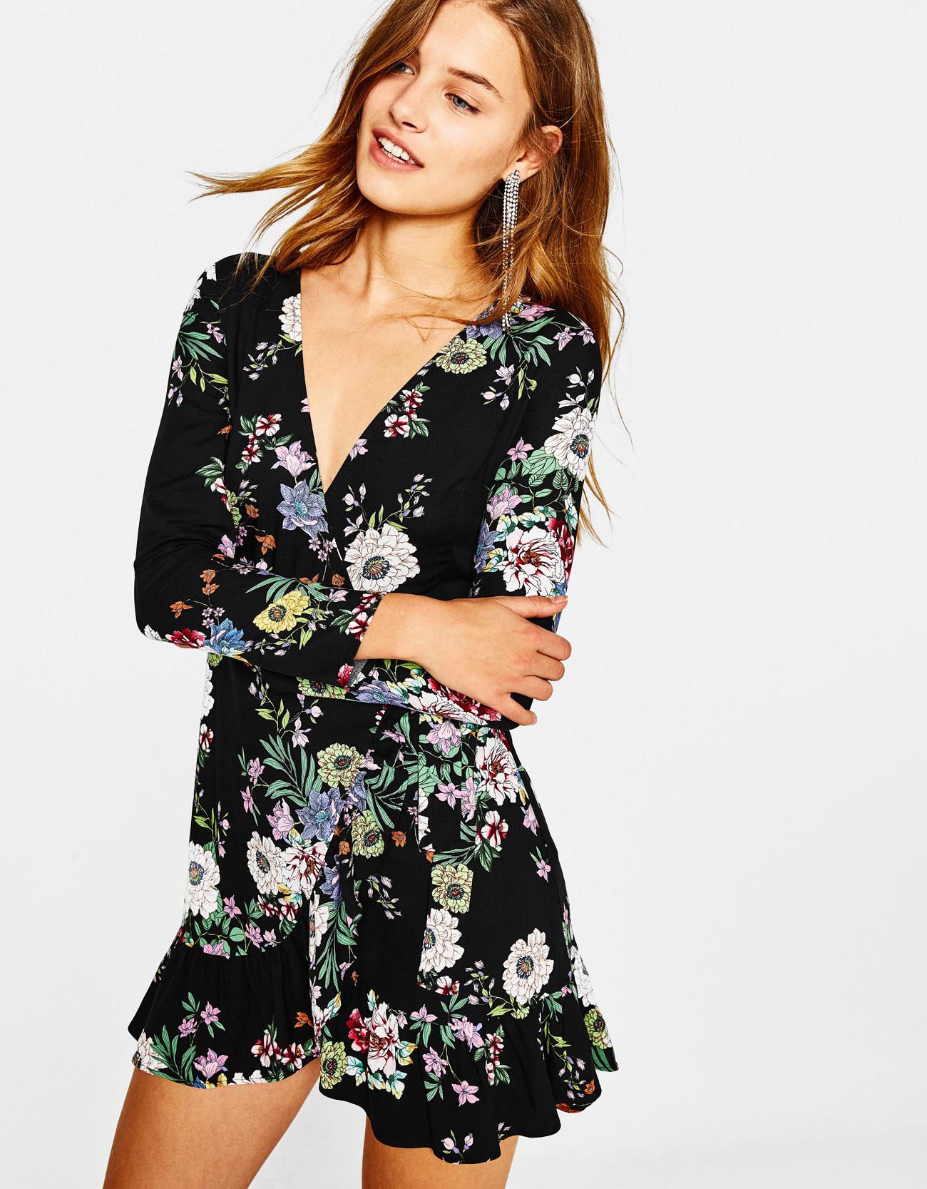 Estampado de flores en la ropa