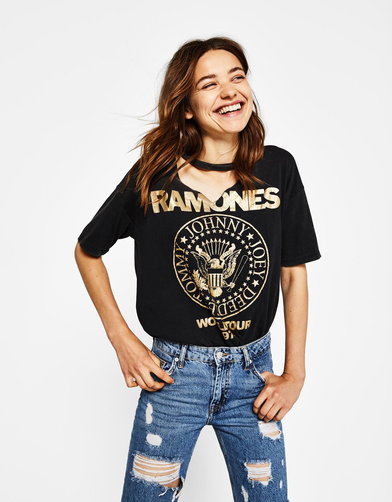 Choker neck Ramones T-shirt - T-Shirts - Bershka Montenegro