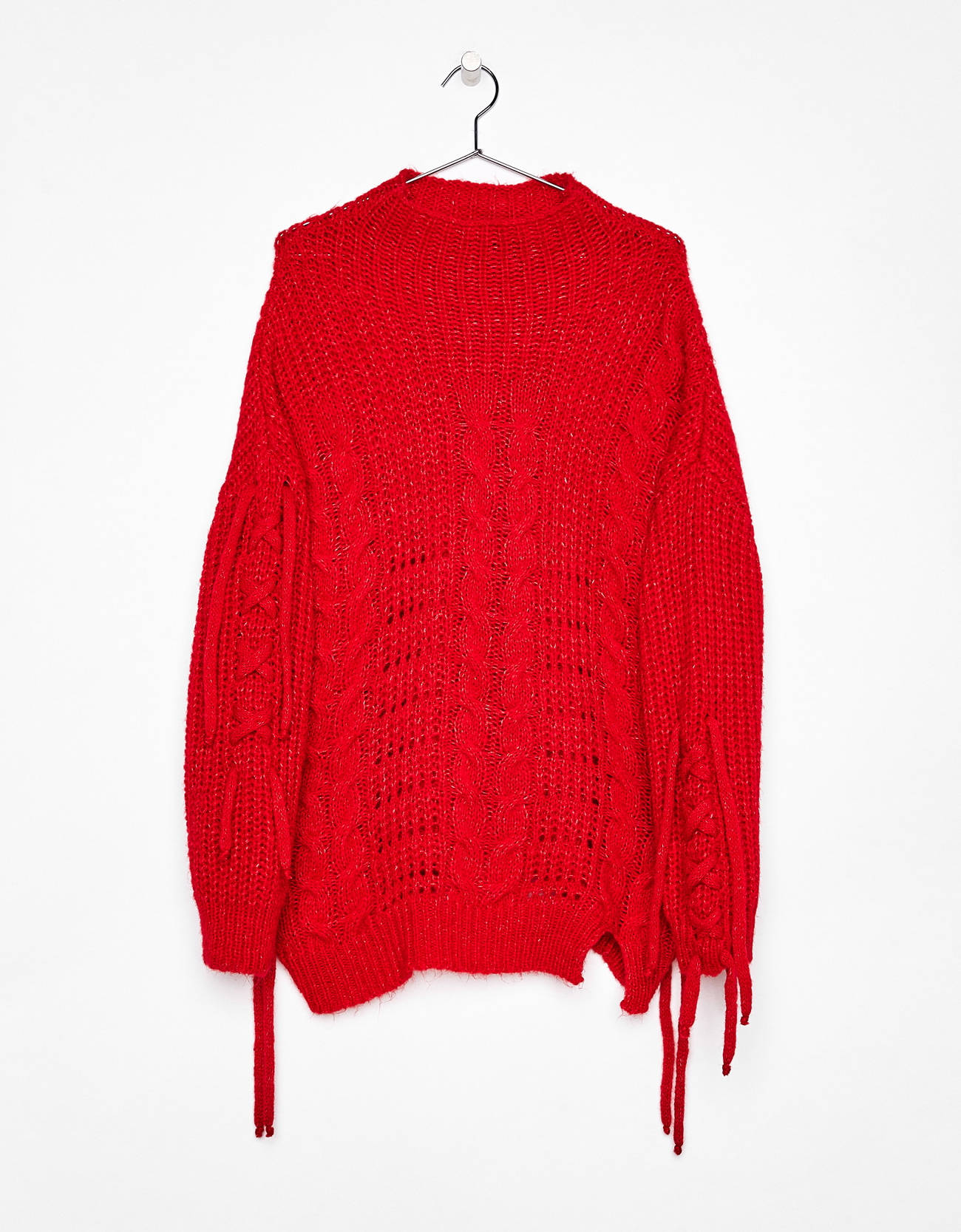 Cable-knit sweater with straps - Red - Bershka Spain