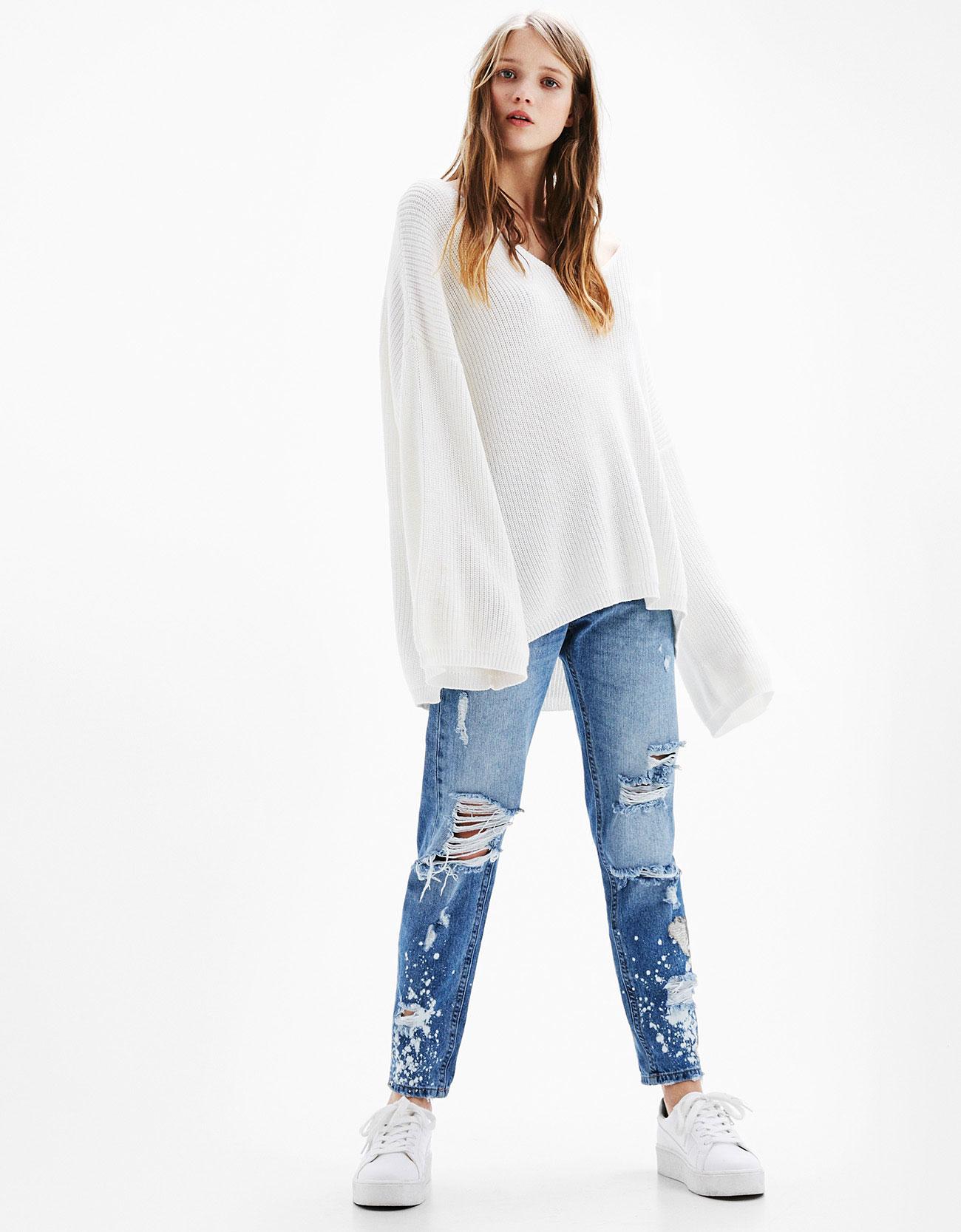 Bleach-stained slim-fit ripped boyfriend jeans - Jeans - Bershka ...