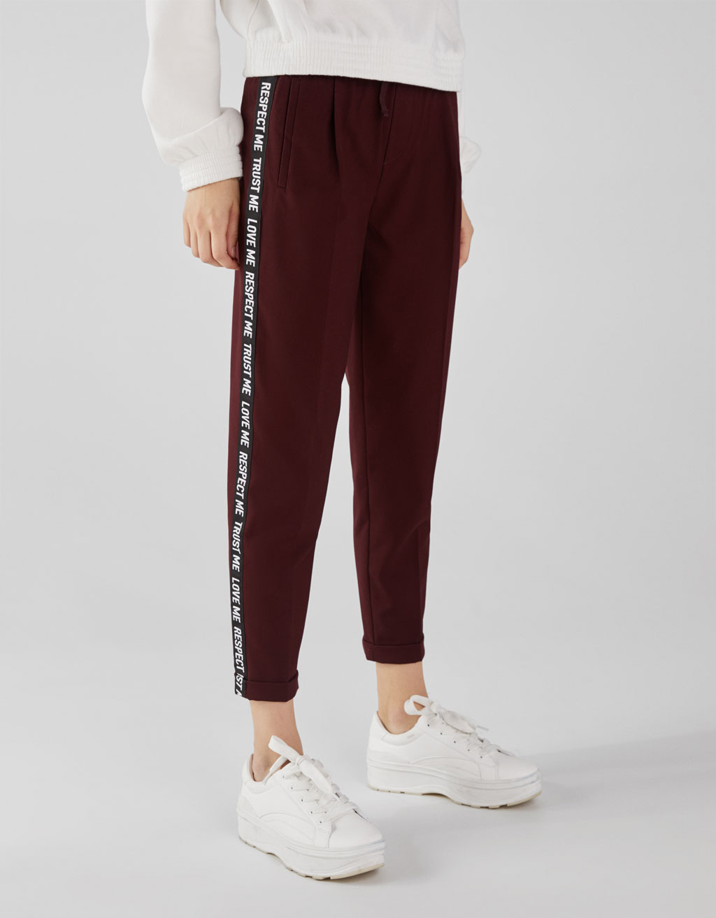 Tailored fit jogging trousers