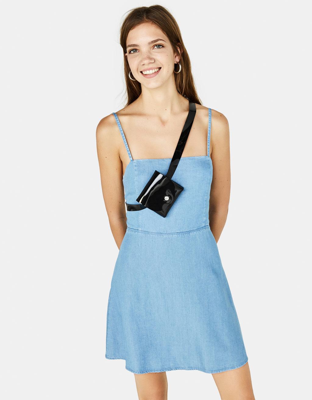 Džinsinė suknelė su surišamomis petnešėlėmis