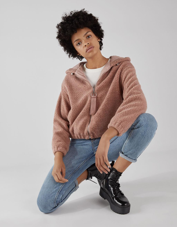 Jachetă din imitație de blană de miel cu glugă