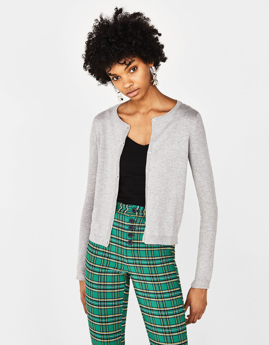 Round neck cardigan with buttons