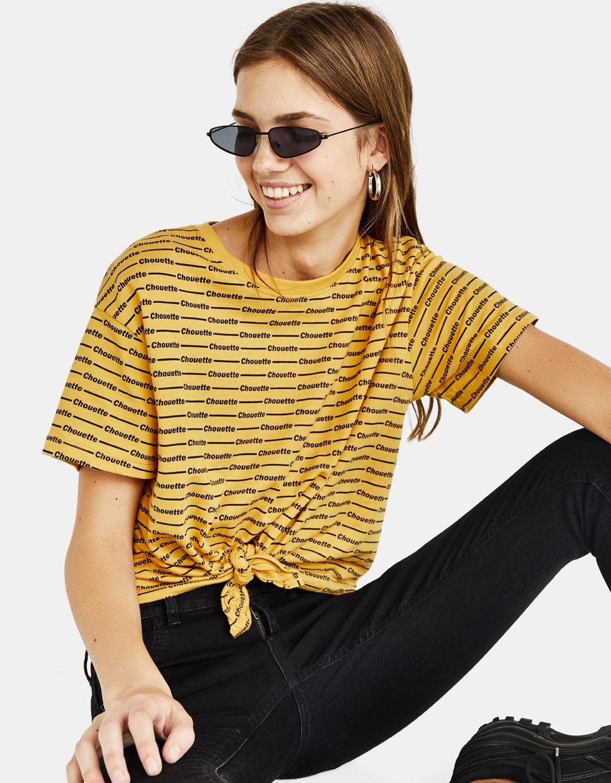 Tričko s uzlem na přední straně