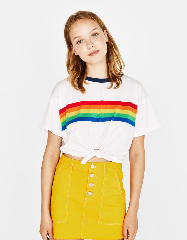 T-shirt com algodão orgânico e nó dianteiro