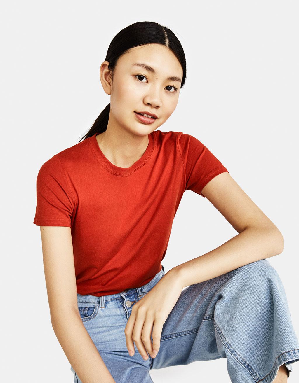 Round neck T-shirt