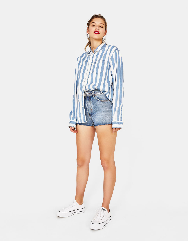 926292b0306431 Mom fit vintage denim shorts - Shorts - Bershka Jordan