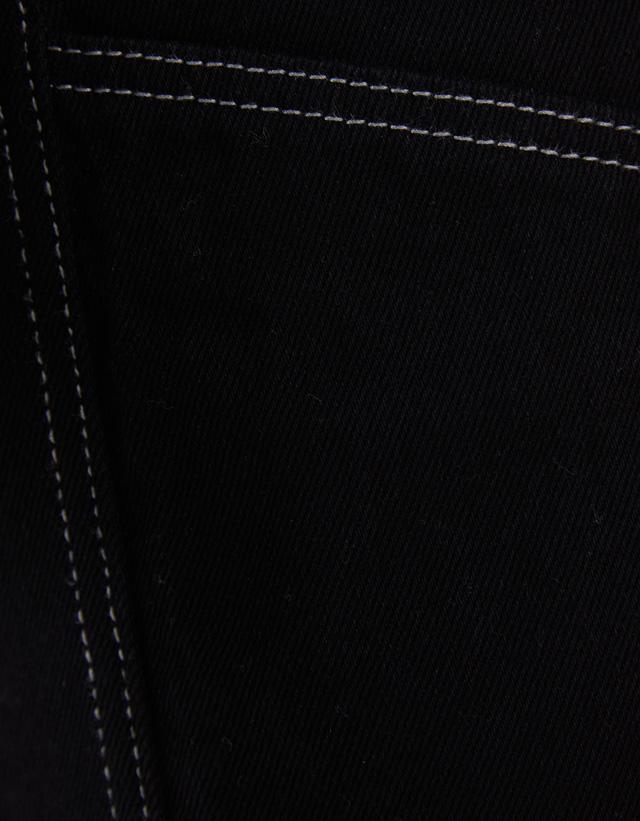 Culotte-Jeans mit halbhohem Bund und Gürtel