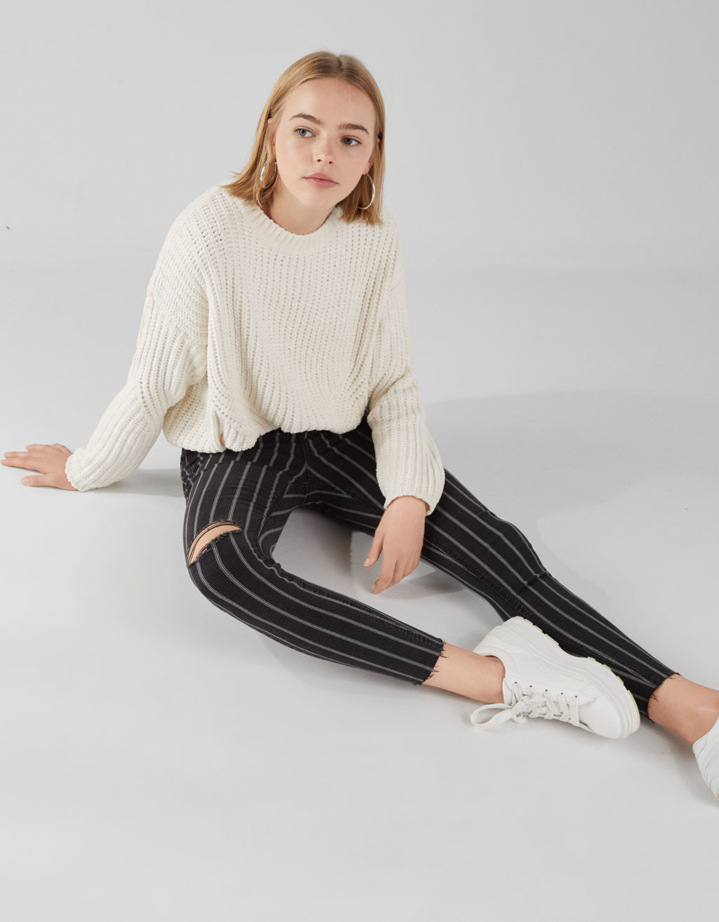 Pantaloni High Waist cu rupturi Join Life