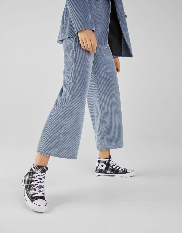 Pantaloni culotte in velluto a costine