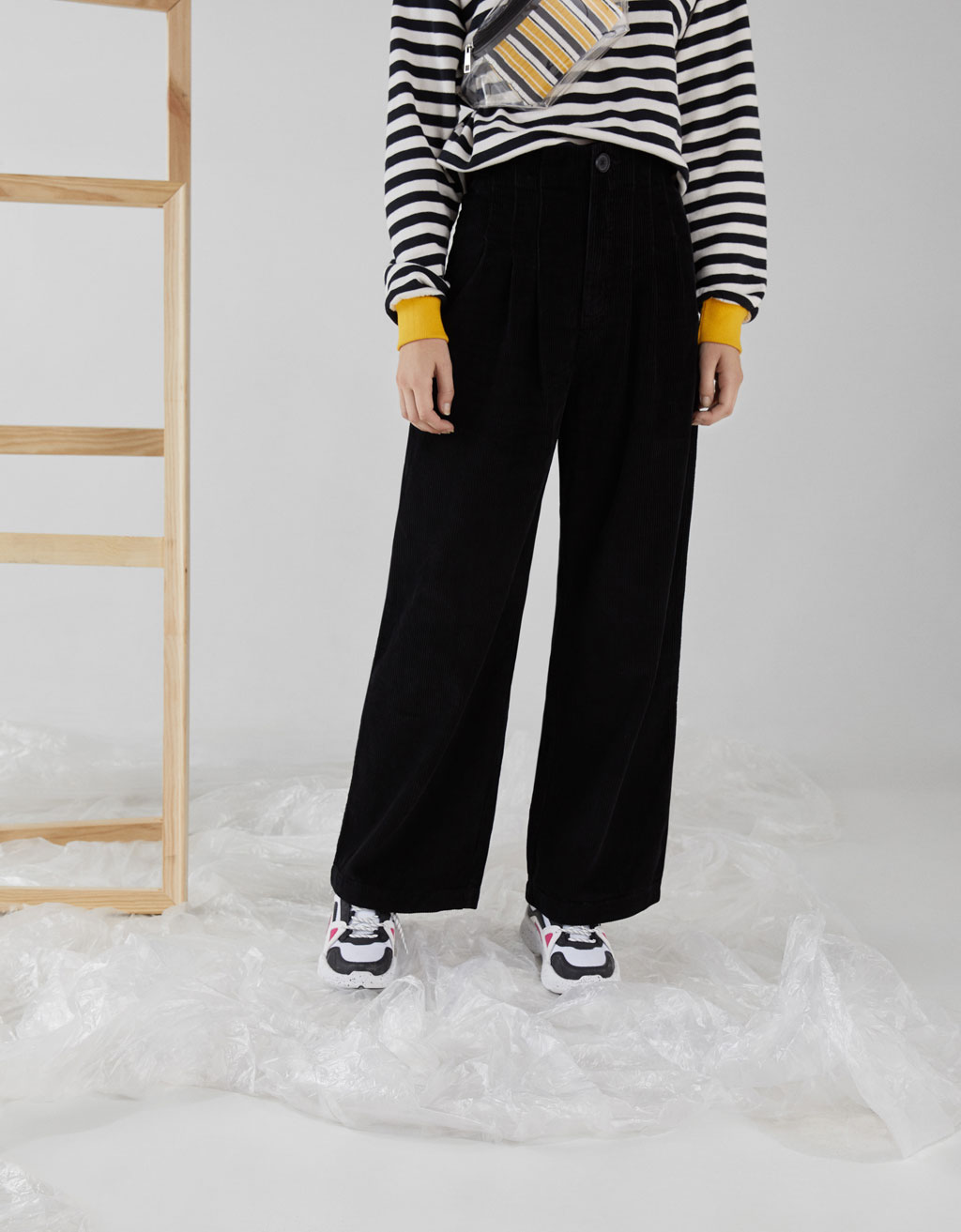 Wide-leg corduroy pants