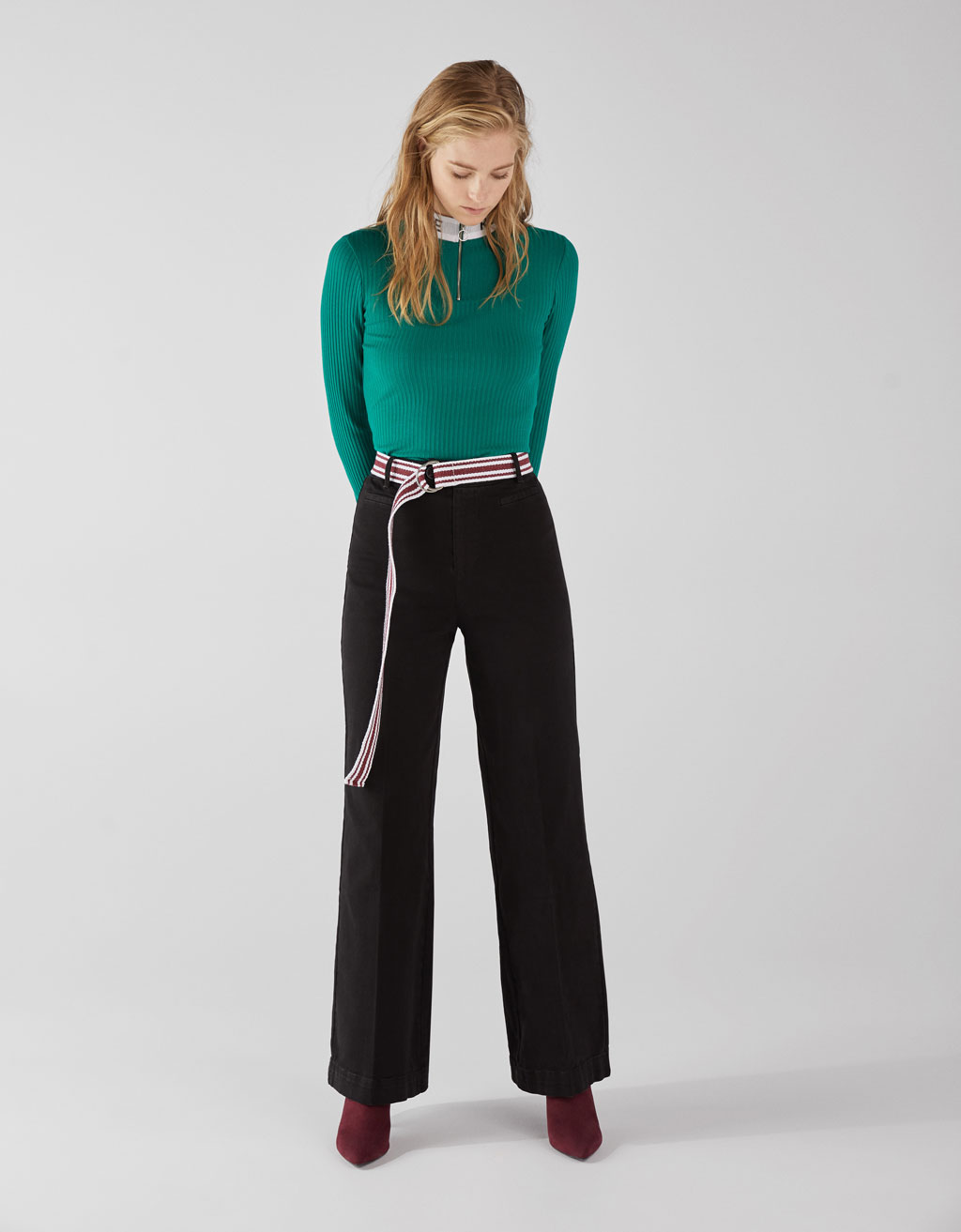 Wide trousers with darts